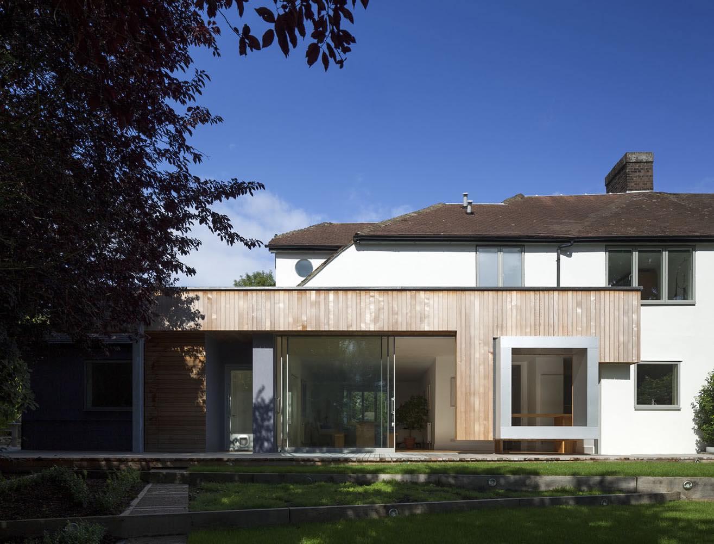 Cut & Frame House